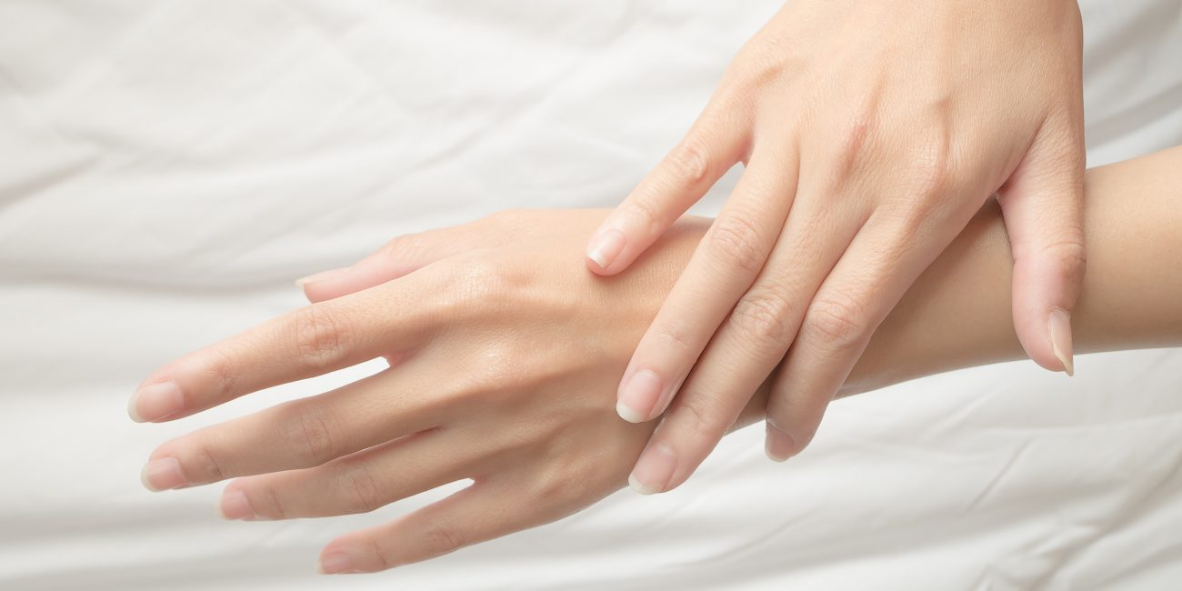 Krém poškozené ruce a nehty